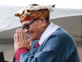 """We Are All One"": Chief Robert Joseph on Reconciliation in Canada"