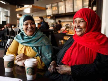 Meet The Hoyo Collective: Edmonton Somali Mothers Supporting One Another and Their Communities