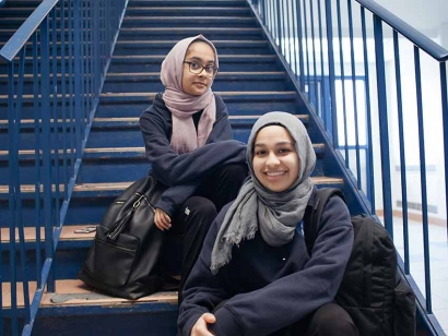 "CBC's ""14 and Muslim"" Explores the Transition from Islamic School to Public School"